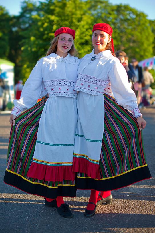 """IMG 7625 1 Kadi ja Reelika, XIX tantsupeo """"Puudutus"""" 1. etendus, Tallinn"""