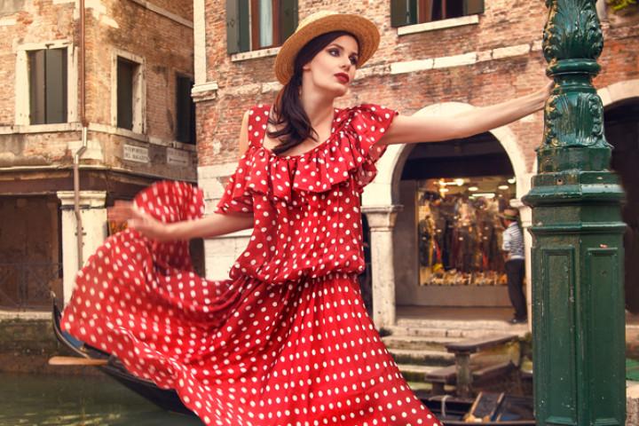 26 720x480 Värvisülemiga kleidid