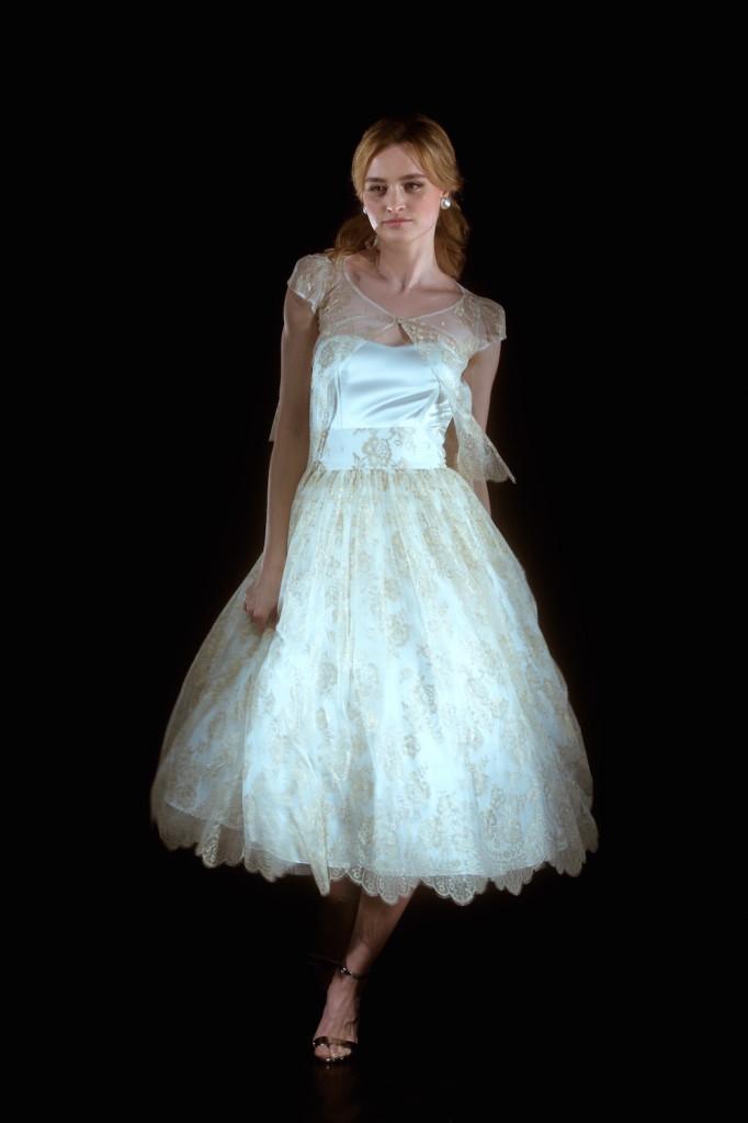 triin isak pulmakollektsioon2016 682x1024 Triin Isaku pulmarõivakollektsioon