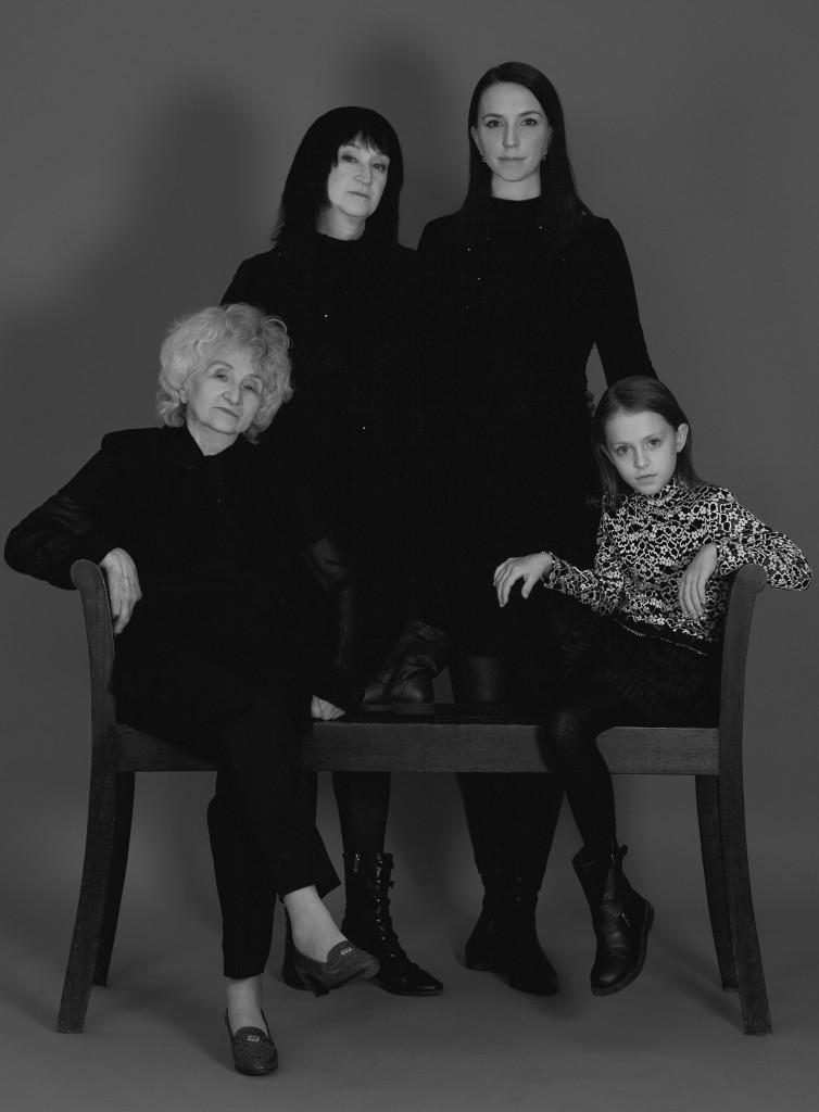 Ühe pere nelja generatsiooni naised lõid rõivabrändi