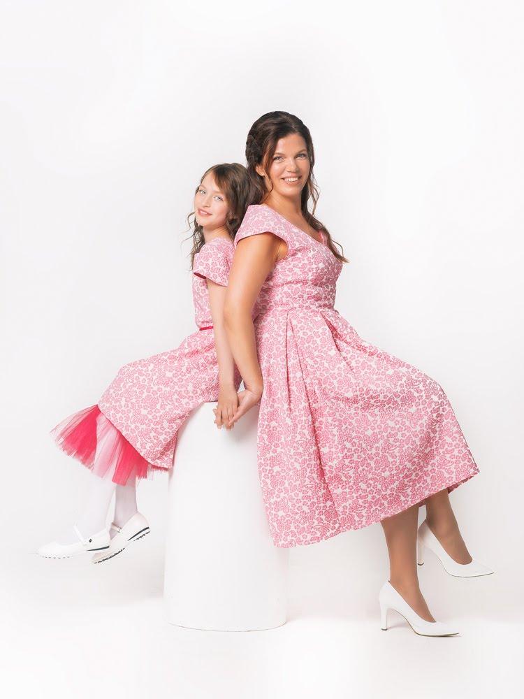 TORINA Anna ja Bella kleidid ema ja tütre komplekt Ühe pere nelja generatsiooni naised lõid rõivabrändi