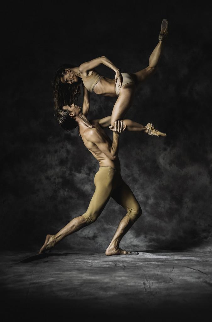 LUMMUS 675x1024 Hõbedasse valatud ballett