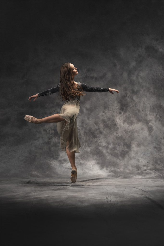 LUMMUS kol Ballett foto Albert Kerstna 007 682x1024 Hõbedasse valatud ballett