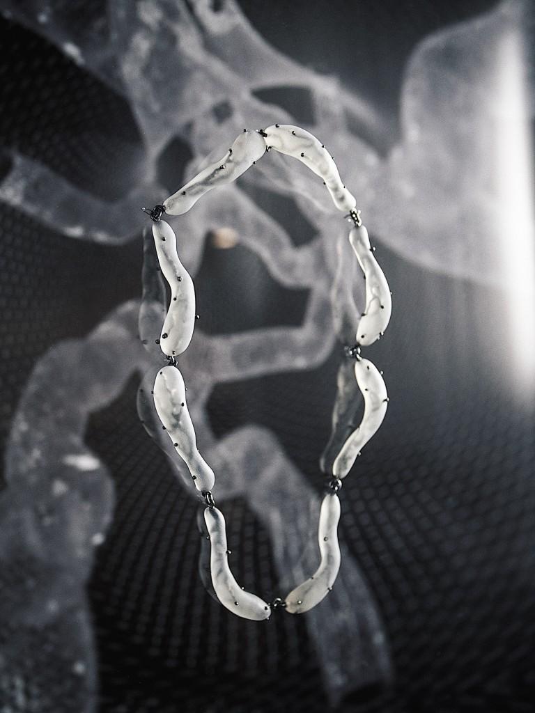 Sofia Hallik näitus Tangibility Matters 768x1024 Digitaalse toomise hübriid