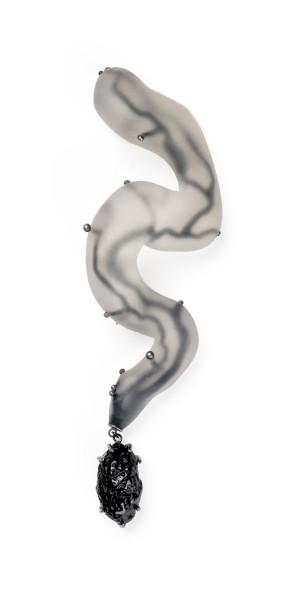 SofiaHallik_SOPHIA-printed-resin,-pigment,-tektite,-silver_photobySofiaHallik