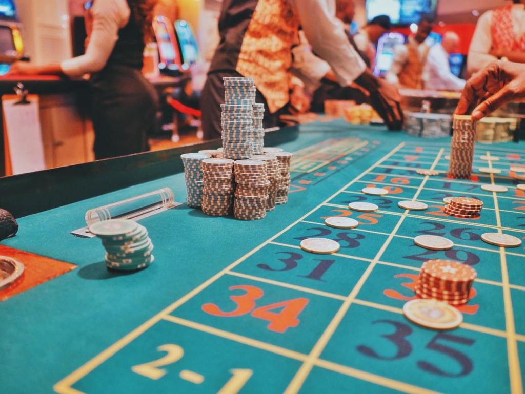 casino 1024x769 Kuidas valida sobiv riietus kasiinosse minekuks