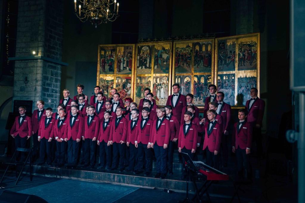 poistekoor 1024x682 Annely Peebo ja Tallinna Poistekoori jõulukontsert Nigulistes