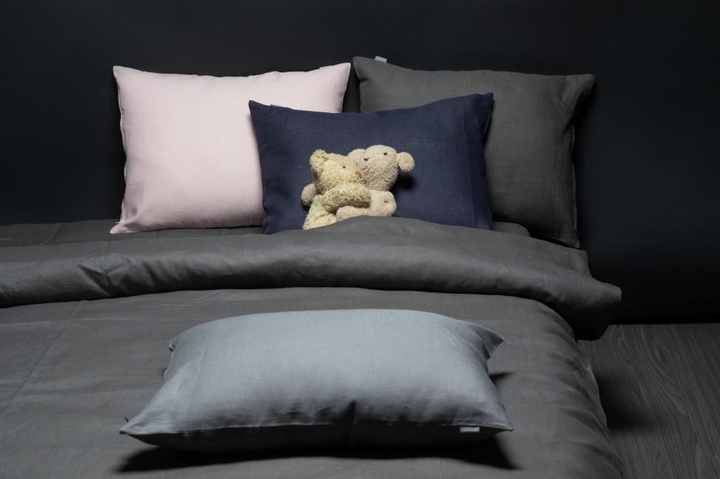 linen bedding gray pale pink navy blue 1024x682 Öökülma ruumieksperiment