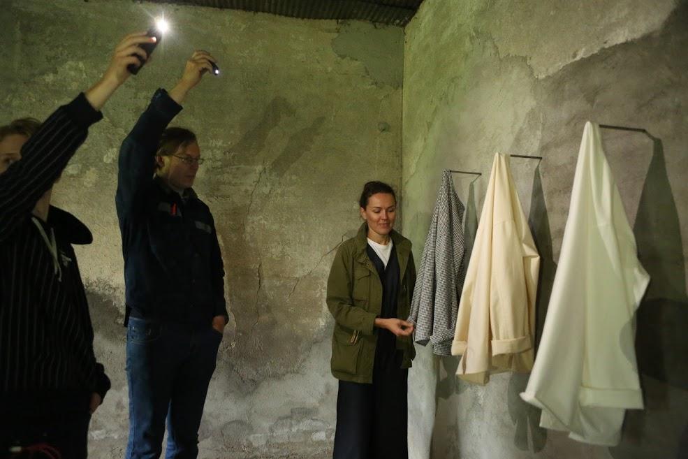 lilli riided Lilli Jahilo avas näituse keskkonnakunsti sümpoosionil