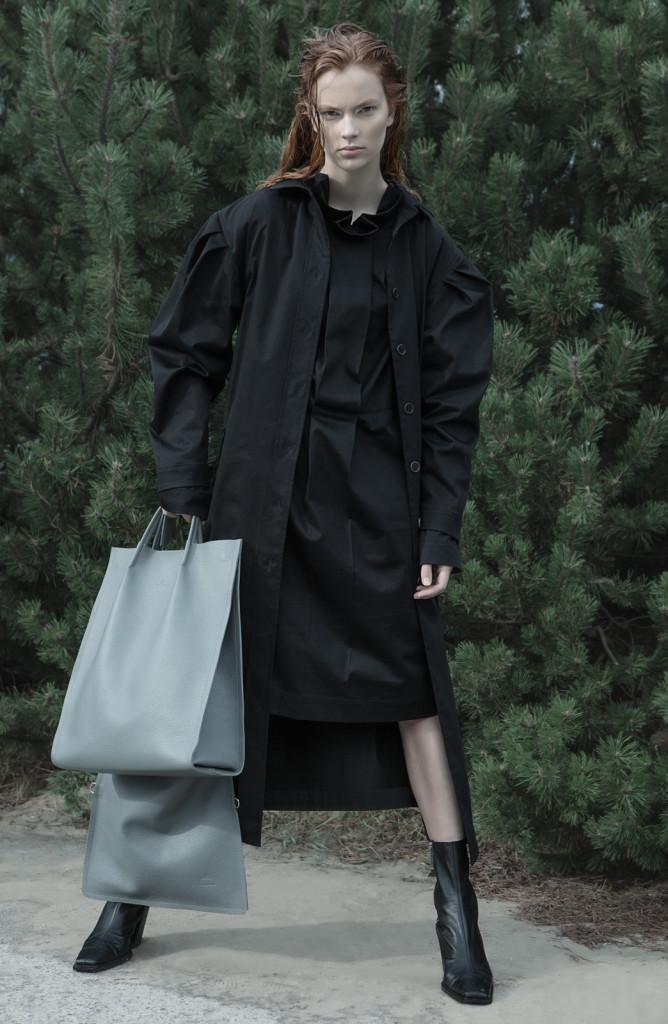 Eve Hanson Riina Varol 668x1024 Kangajääkidest valminud erilised rõivad
